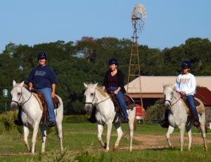 British ladies enjoy texas horseback riding