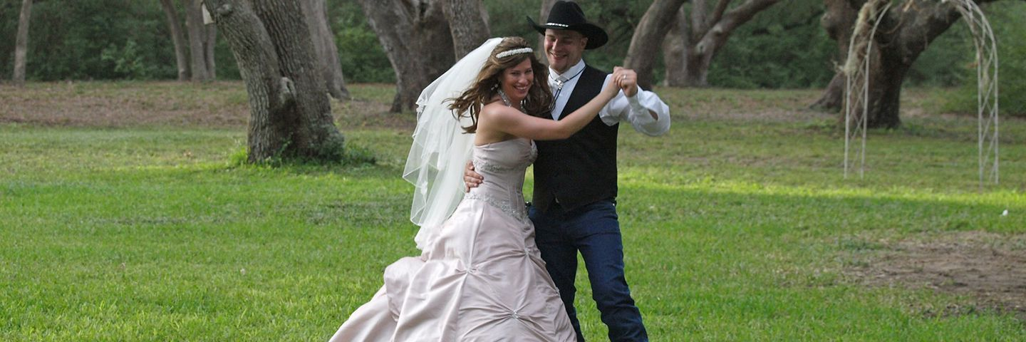 Texas Weddings - Bride and Groom