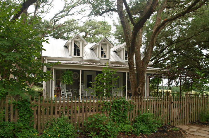The Farmhouse Texas Ranch Vacation Rental