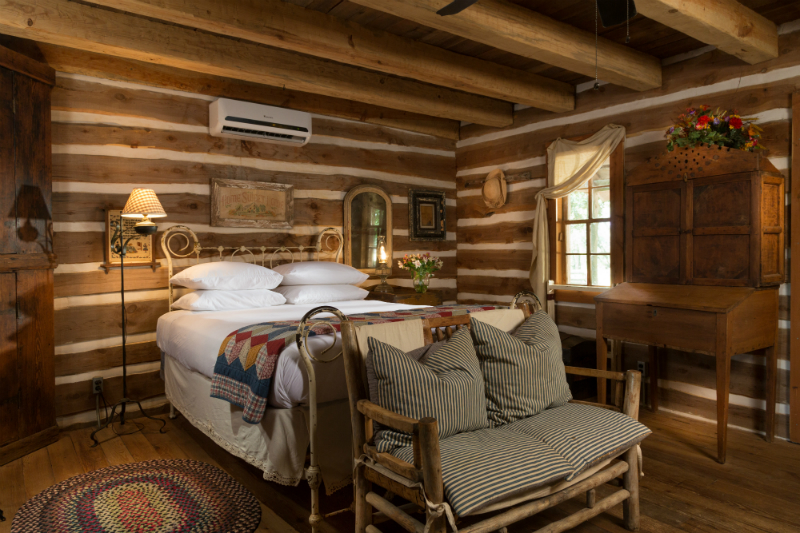 Spacious Cabin at Family Reunion Place in Texas