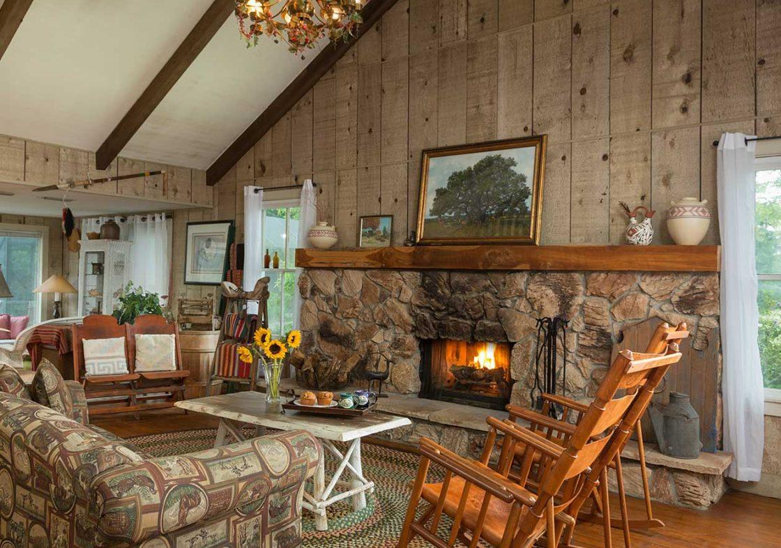 Dog Trot House Cozy Loft Suite