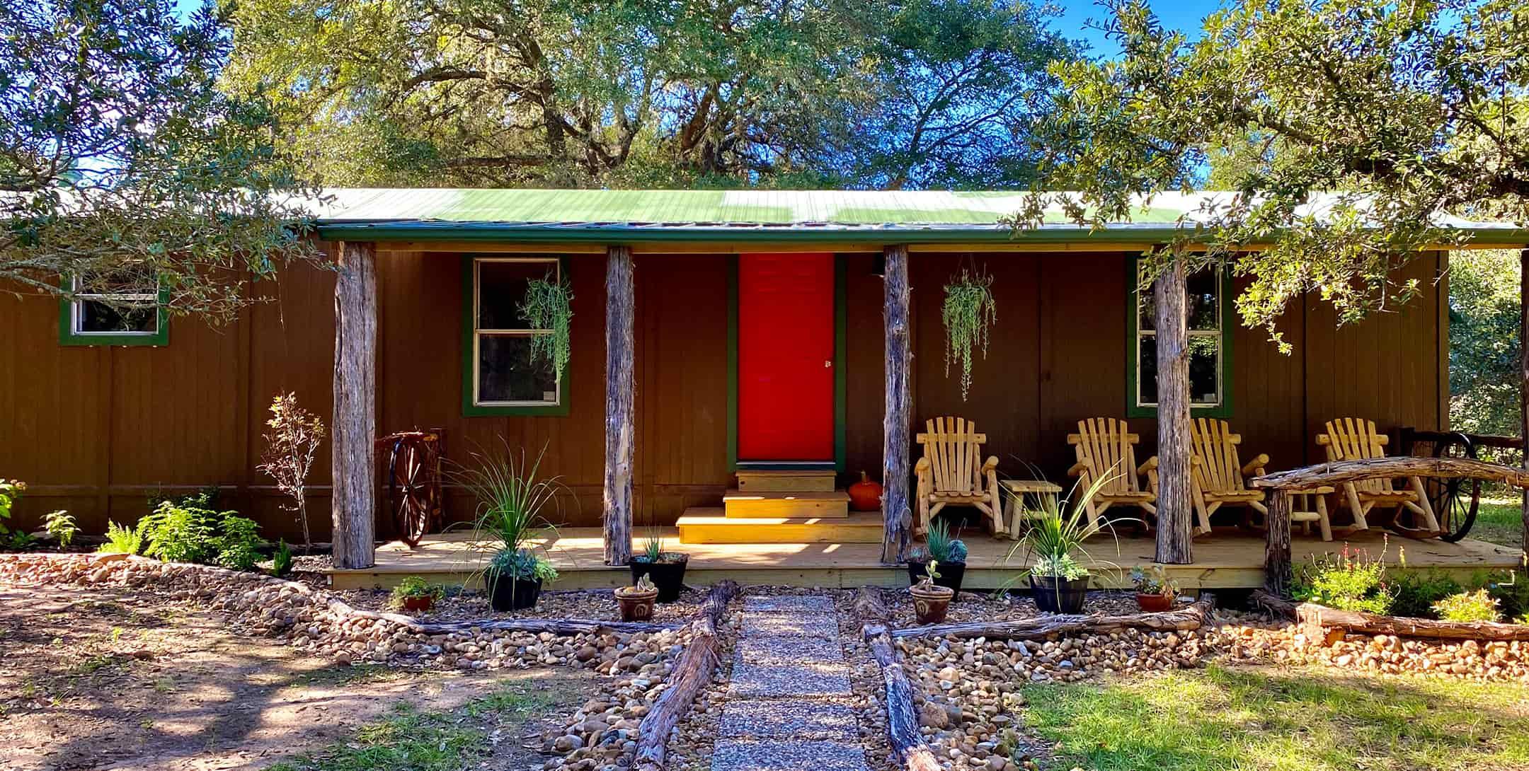 Hideaway private cabin rental near Houston