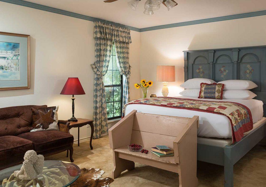 Ranch House Studio bedroom