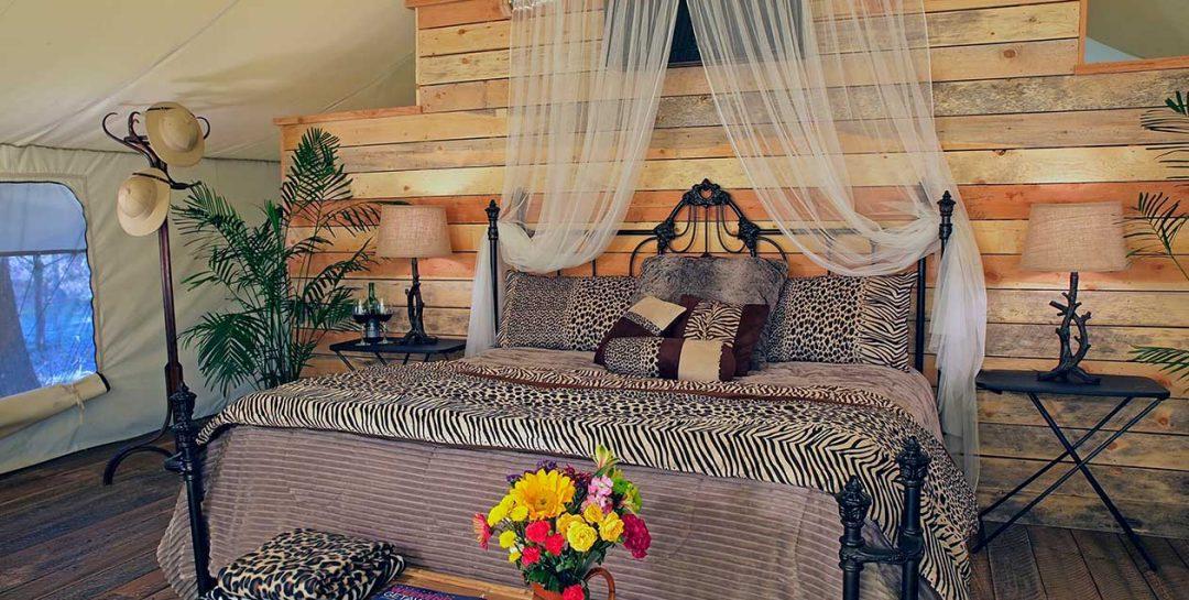 Grand Safari Tent bed