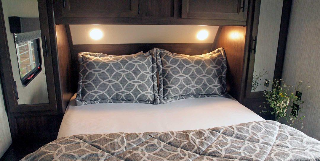 Cherokee RV at Show Barn bed