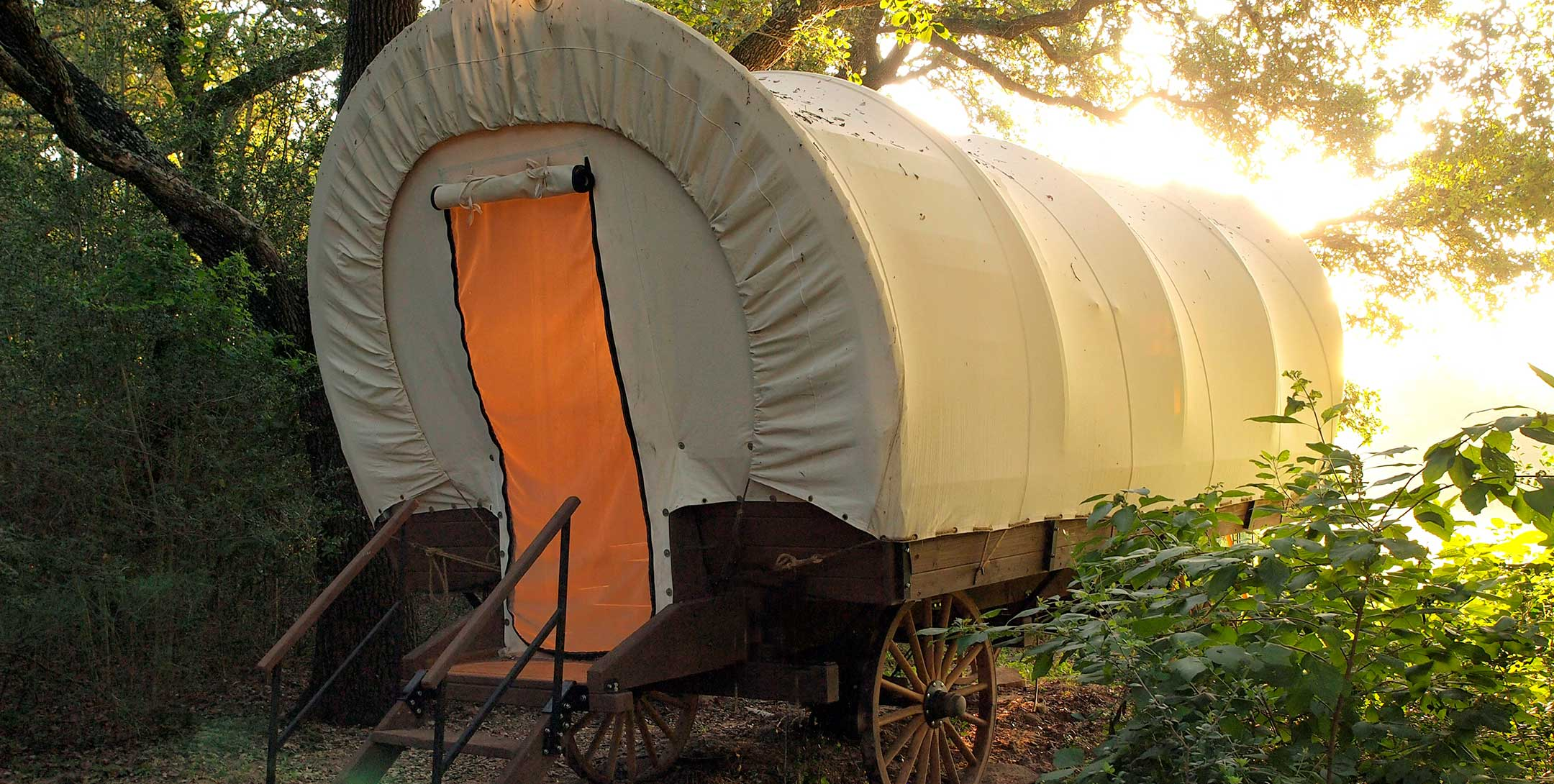 Conestoga Covered Wagon exterior