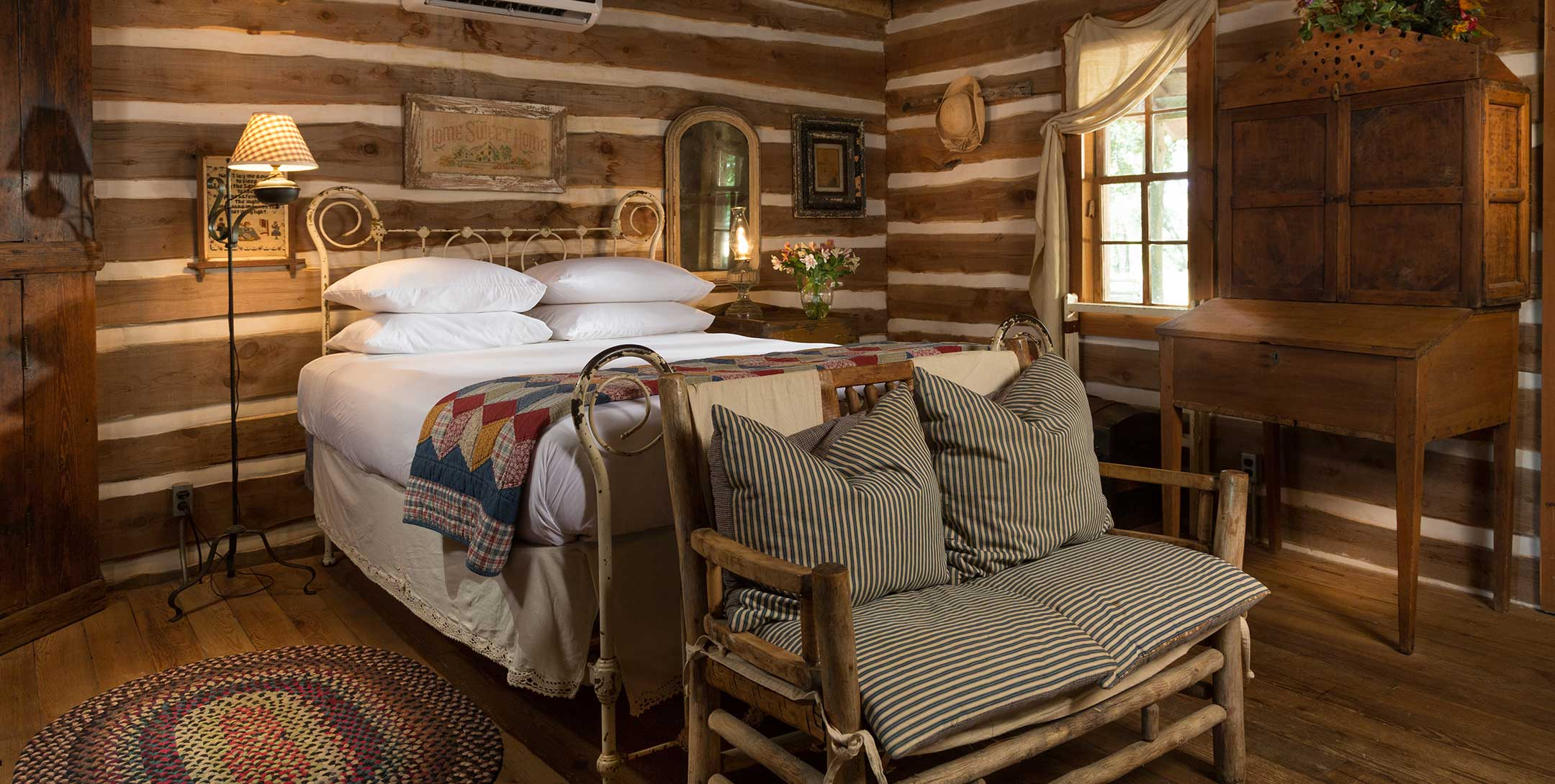 The Log Cabin - Ranches near Houston TX