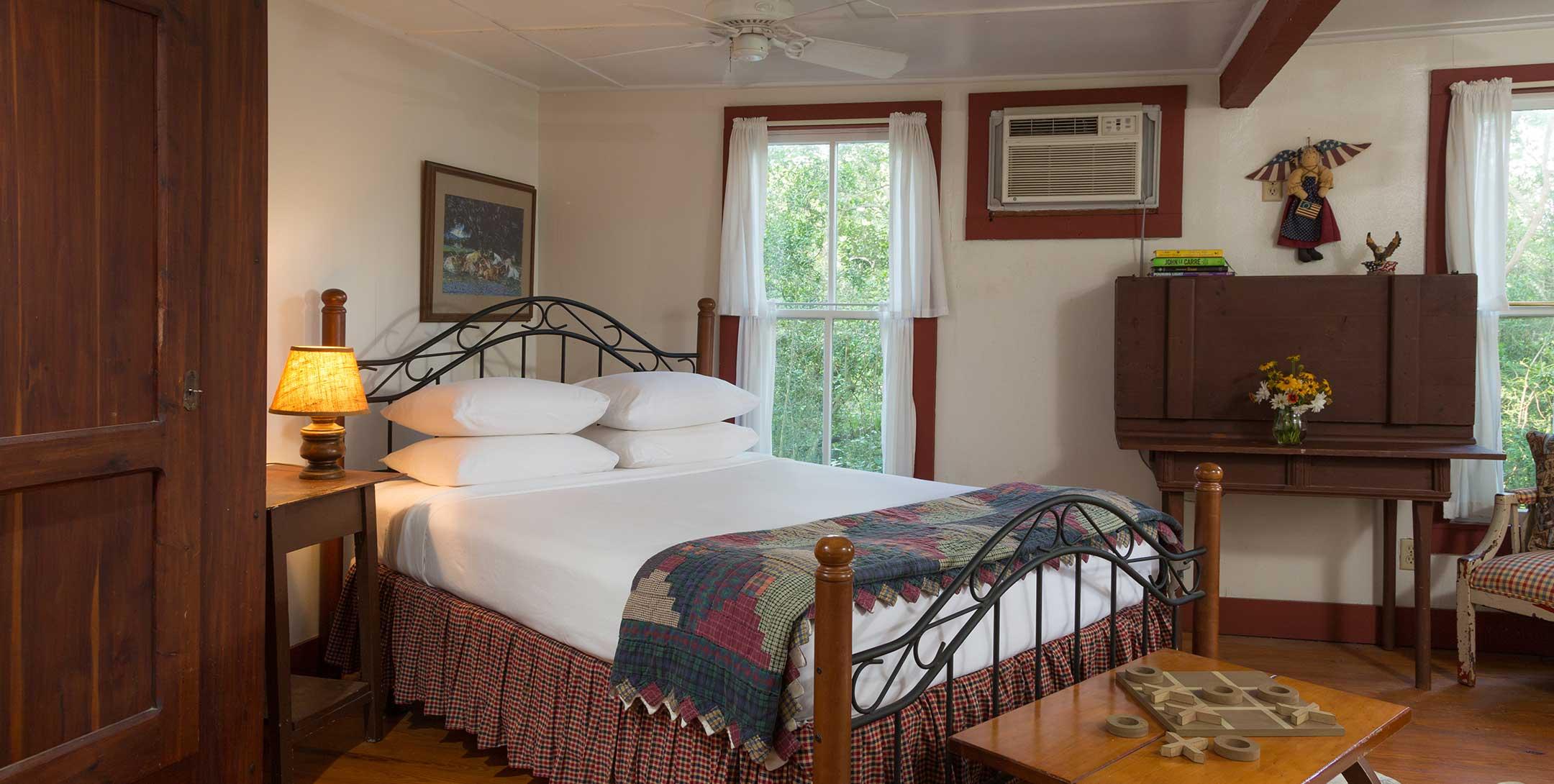 Mystic Woods Cabin bed