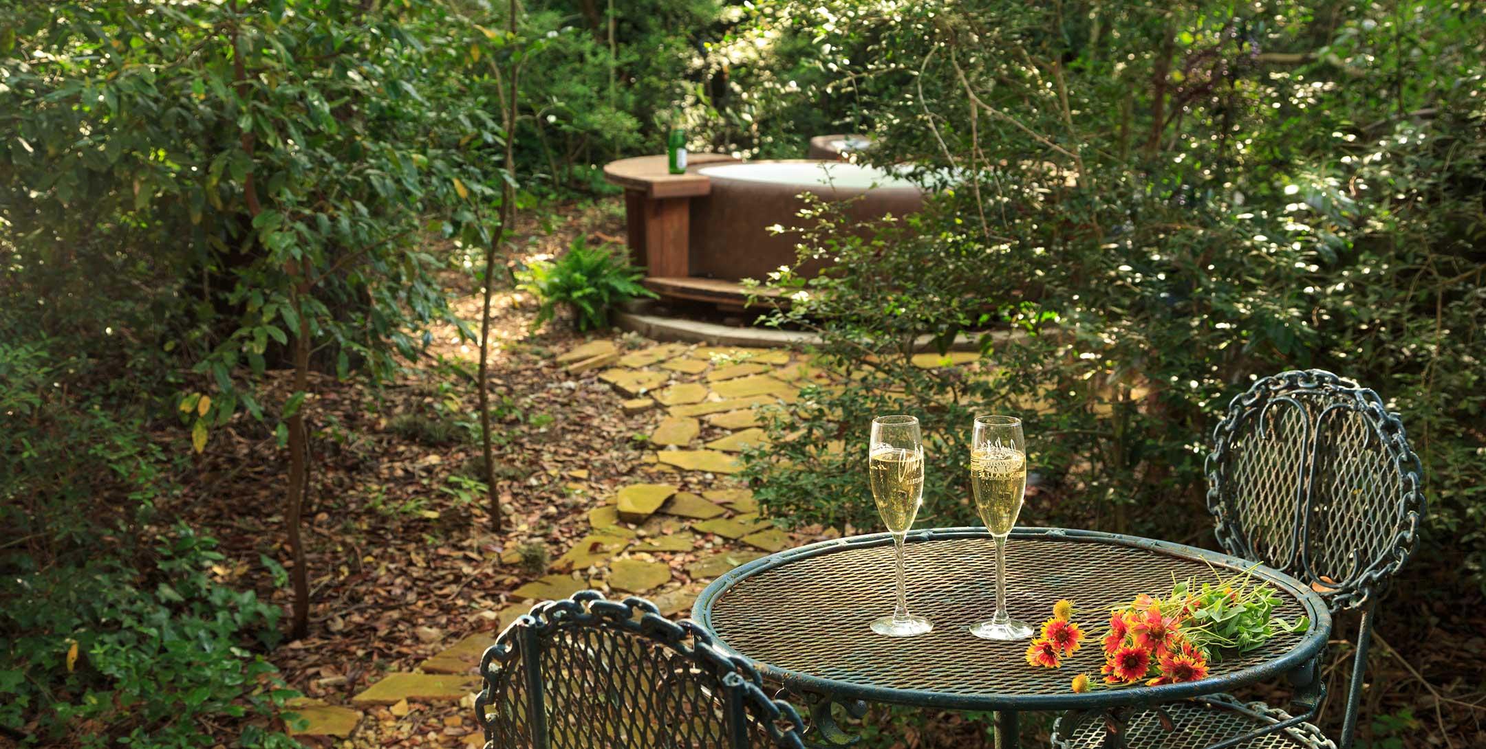 Mystic Woods Cabin hot tub