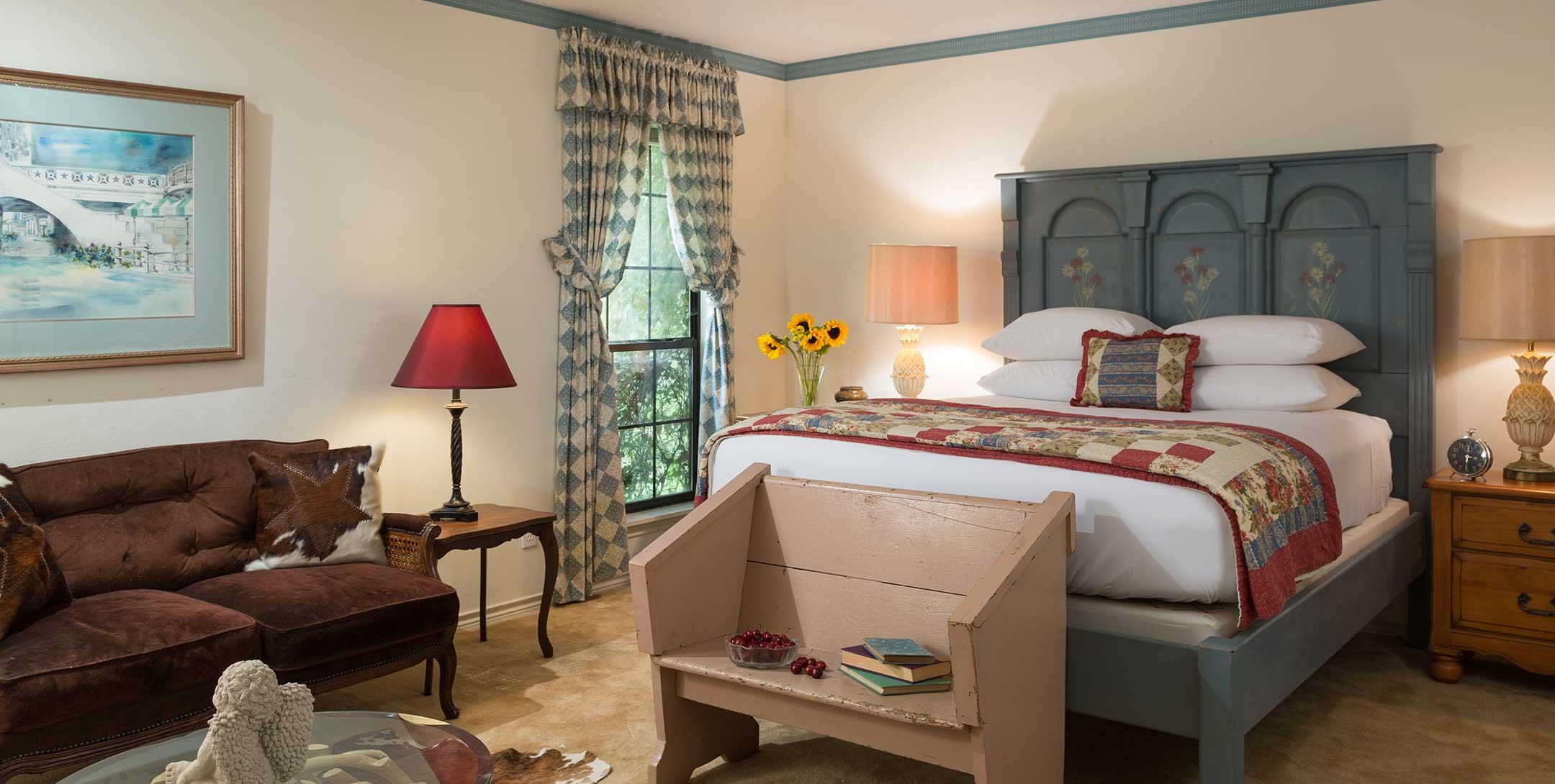 Ranch House Studio - Romantic Getaway in TX