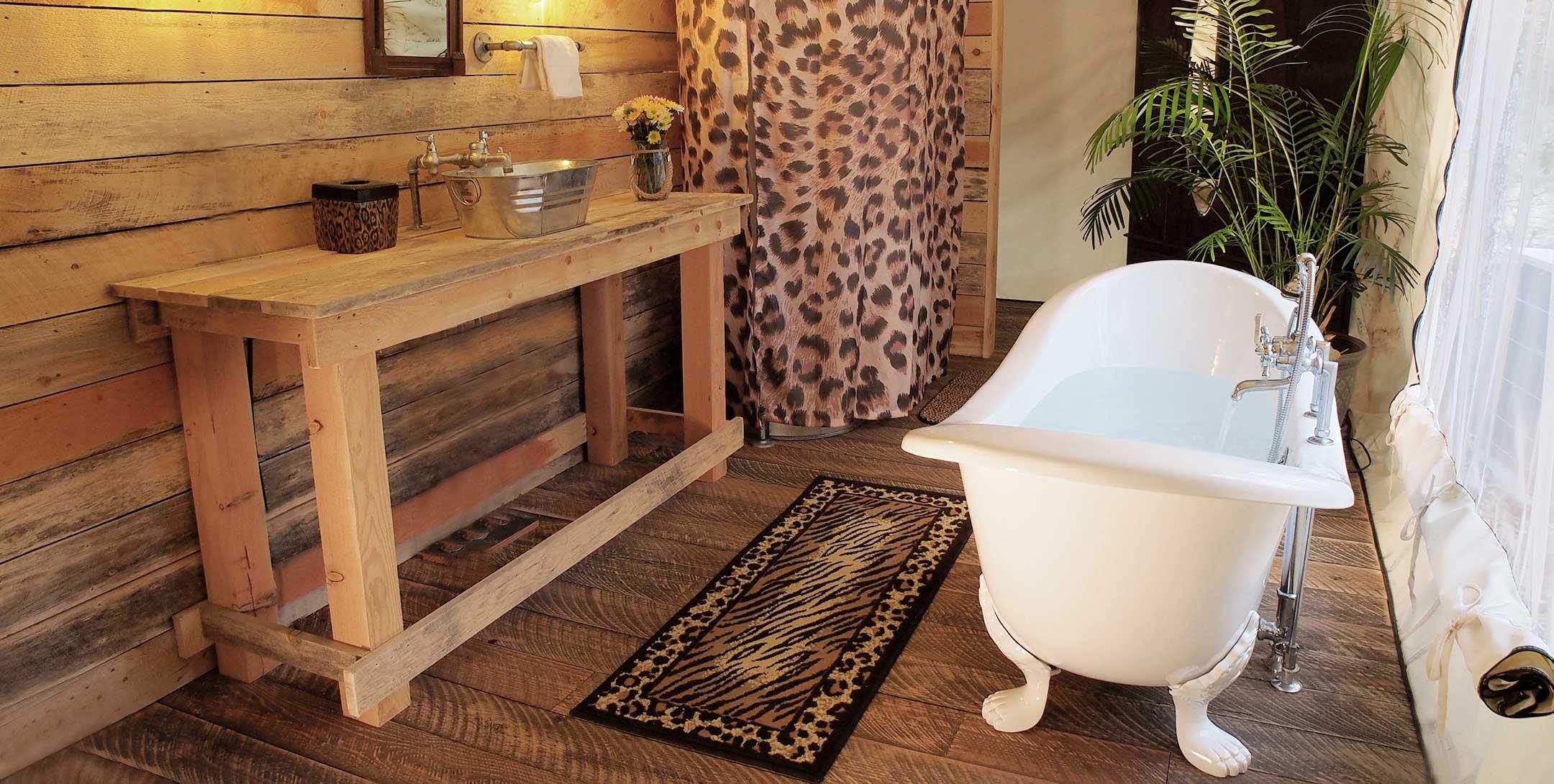 Grand Safari Tent bath