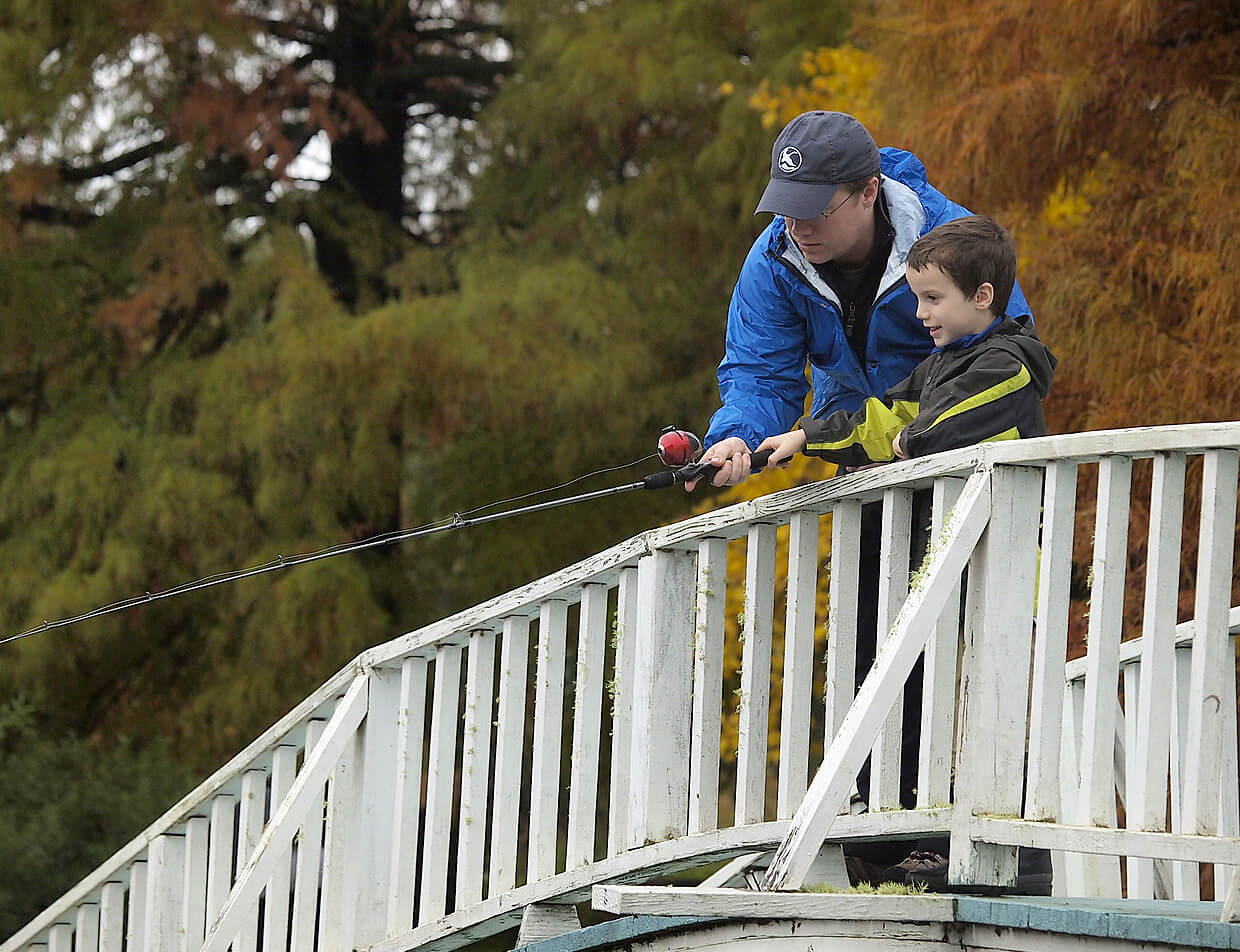 family fishing activities at Texas vacation ranch