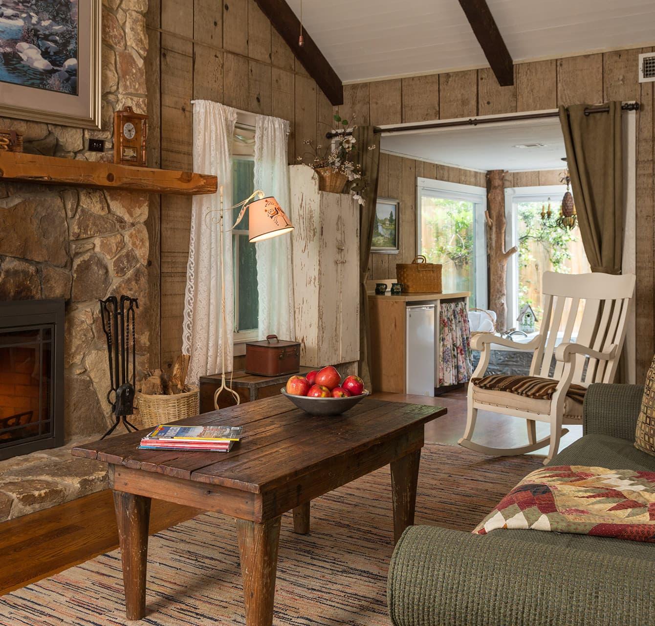 Magnolia Suite living room