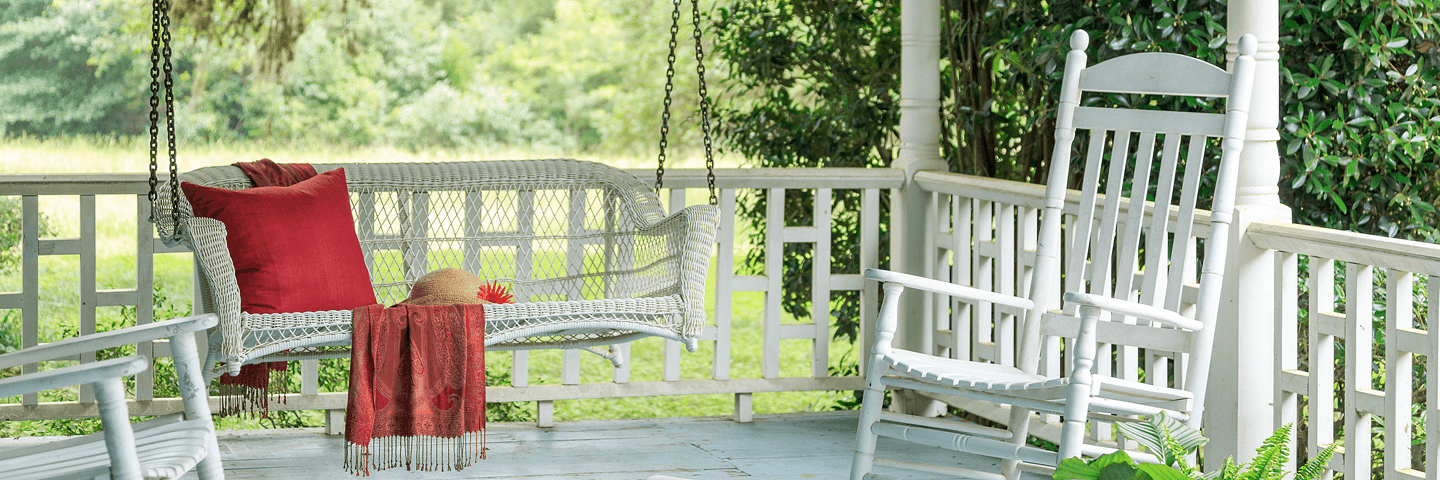 White porch swing at Texas bed and breakfast